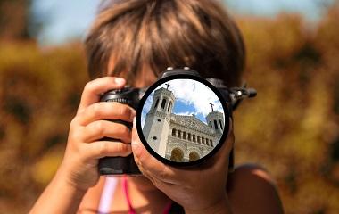 Séjour et voyage scolaire, classe de découverte Lyon, classe sans cartable Lyon, classe patrimoine journalisme avec Ludivisites Lyon